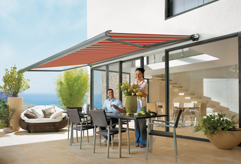 markilux-990-folding-arm-awning